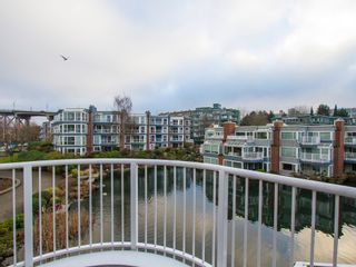 """Photo 24: 1592 ISLAND PARK Walk in Vancouver: False Creek Townhouse for sale in """"LAGOONS"""" (Vancouver West)  : MLS®# V1099043"""