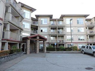 """Photo 4: 305 2515 PARK Drive in Abbotsford: Abbotsford East Condo for sale in """"VIVA"""" : MLS®# R2613425"""