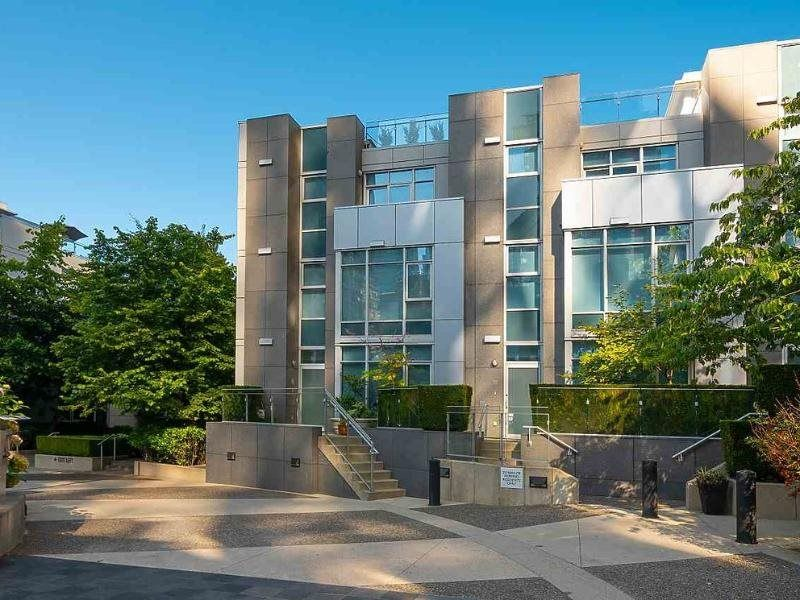 FEATURED LISTING: TH17 - 1233 CORDOVA Street West Vancouver