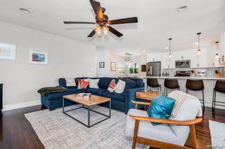 Photo 12: LA MESA House for sale : 3 bedrooms : 7975 Rainey St