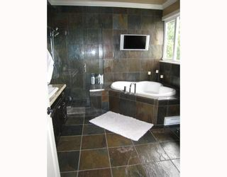 Photo 9: 225 W KINGS Road in North_Vancouver: Upper Lonsdale House for sale (North Vancouver)  : MLS®# V669760