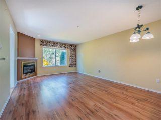 "Photo 3: 110 5711 EBBTIDE Street in Sechelt: Sechelt District Townhouse for sale in ""EBBTIDE PLACE"" (Sunshine Coast)  : MLS®# R2570212"