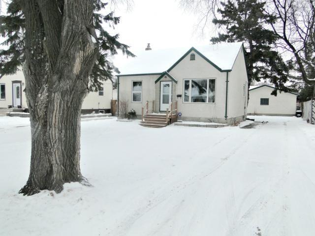 Main Photo: 23 St Louis Road in WINNIPEG: St Vital Residential for sale (South East Winnipeg)  : MLS®# 1201098