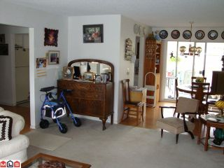"""Photo 3: 2418 GUILFORD Drive in Abbotsford: Abbotsford East House for sale in """"MCMILLAN"""" : MLS®# F1025474"""