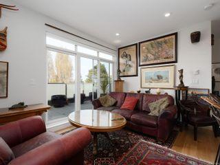 Photo 3: 301 1515 Redfern St in : Vi Jubilee Condo for sale (Victoria)  : MLS®# 873995