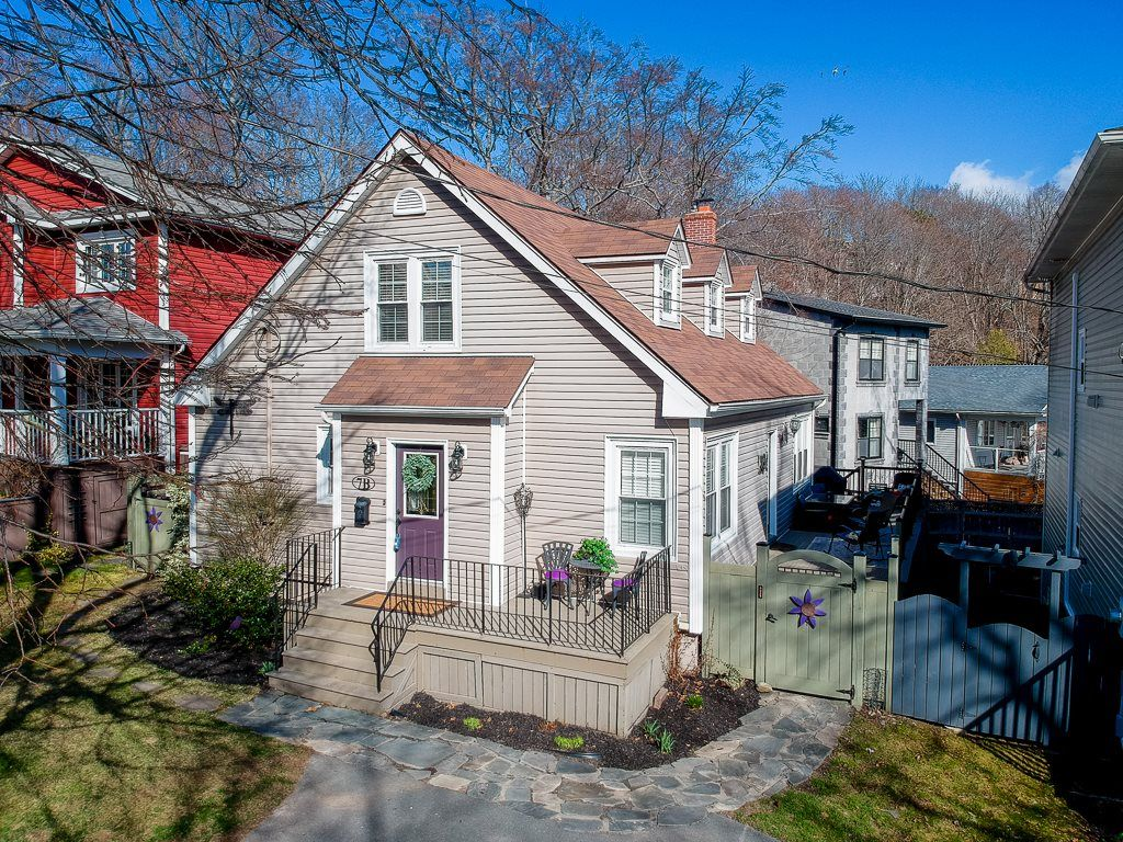 Main Photo: 7B St. Georges Lane in Dartmouth: 12-Southdale, Manor Park Residential for sale (Halifax-Dartmouth)  : MLS®# 202108657