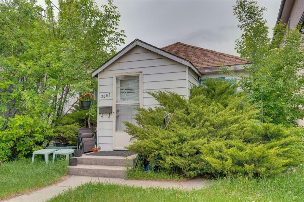 Main Photo: 2042 36 Avenue SW in Calgary: Altadore Detached for sale : MLS®# A1112995