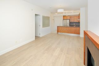 """Photo 8: 111 5955 IONA Drive in Vancouver: University VW Condo for sale in """"FOLIO"""" (Vancouver West)  : MLS®# R2269280"""