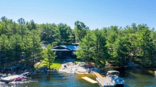 Main Photo: 1025 Harrison Road in The Archipelago: House (Bungalow) for sale : MLS®# X4881585