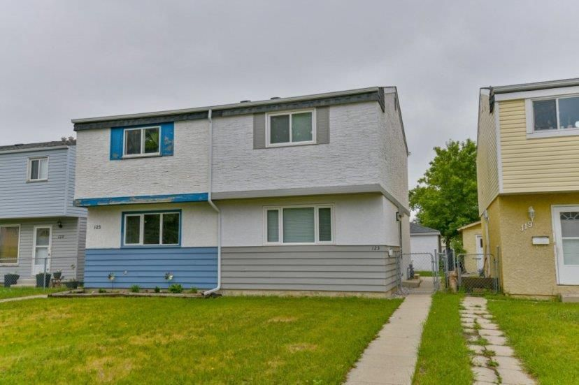 Main Photo: 123 Le Maire Rue in Winnipeg: St Norbert Residential for sale (1Q)  : MLS®# 202113608