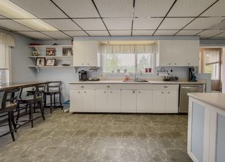 Photo 3: 3186 E AUSTIN Road in Prince George: Emerald House for sale (PG City North (Zone 73))  : MLS®# R2620128
