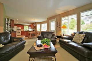 Photo 10: 6484 CLAYTONWOOD Gate in Surrey: Cloverdale BC House for sale (Cloverdale)  : MLS®# F1214656