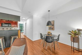 Photo 5: 2G 1067 MARINASIDE Crescent in Vancouver: Yaletown Townhouse for sale (Vancouver West)  : MLS®# R2618967