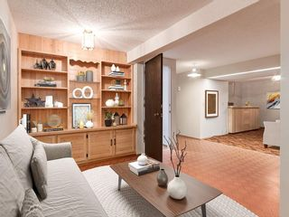 Photo 34: 587 WOODPARK Crescent SW in Calgary: Woodlands Detached for sale : MLS®# C4243103