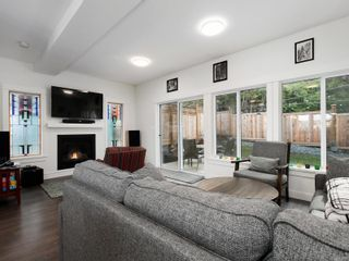 Photo 2: 3488 Myles Mansell Rd in Langford: La Walfred House for sale : MLS®# 869261