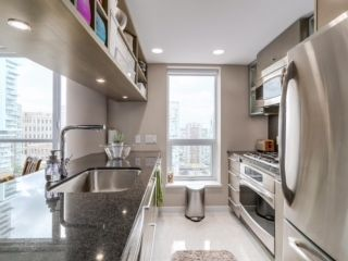 """Photo 4: 2003 833 SEYMOUR Street in Vancouver: Downtown VW Condo for sale in """"CAPITAL RESIDENCES"""" (Vancouver West)  : MLS®# R2087892"""