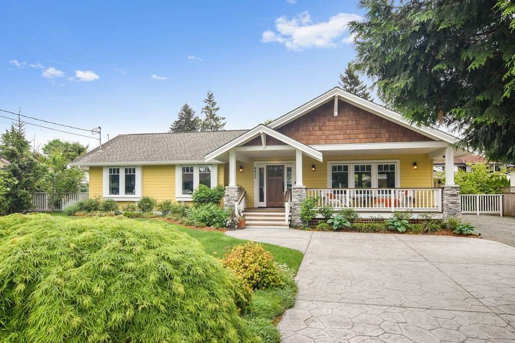 """Main Photo: 8822 TRATTLE Street in Langley: Fort Langley House for sale in """"Fort Langley"""" : MLS®# R2461182"""