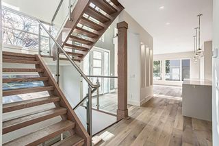 Photo 3: 3704 5 Avenue SW in Calgary: Spruce Cliff Detached for sale : MLS®# C4296636
