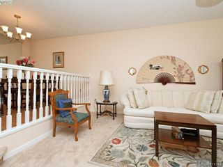 Photo 4: 596 Phelps Ave in VICTORIA: La Thetis Heights Half Duplex for sale (Langford)  : MLS®# 821848