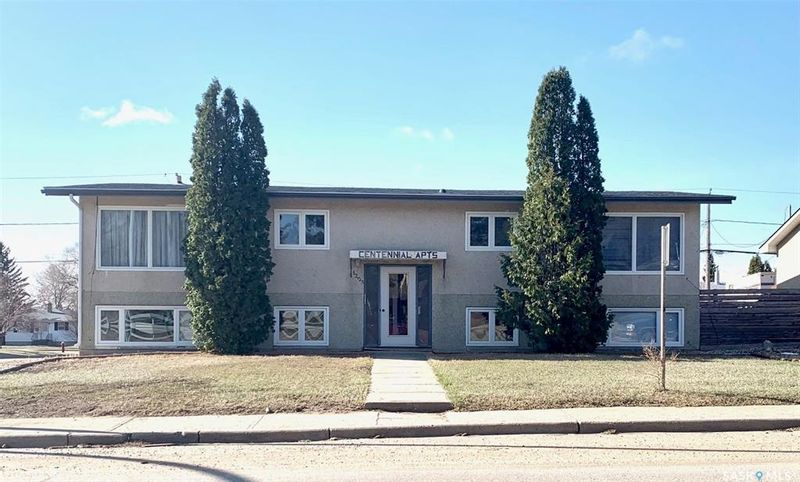 FEATURED LISTING: 1203 Caribou Street West Moose Jaw