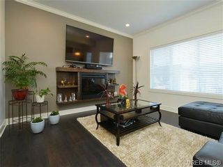 Photo 4: 1239 Bombardier Cres in VICTORIA: La Westhills House for sale (Langford)  : MLS®# 737795