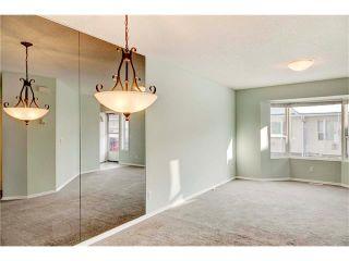 Photo 8: 15 WHITMIRE Villa(s) NE in Calgary: Whitehorn House for sale : MLS®# C4094528