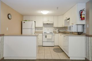 """Photo 32: 1803 612 SIXTH Street in New Westminster: Uptown NW Condo for sale in """"The Woodward"""" : MLS®# R2545610"""