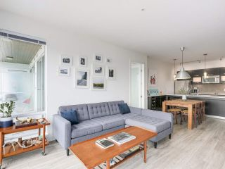 """Photo 10: 403 3333 MAIN Street in Vancouver: Main Condo for sale in """"3333 MAIN"""" (Vancouver East)  : MLS®# R2191207"""