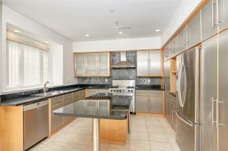 Photo 3: 7735 THORNHILL Drive in Vancouver: Fraserview VE House for sale (Vancouver East)  : MLS®# R2566355