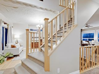 Photo 17: 30 Springborough Crescent SW in Calgary: Springbank Hill Detached for sale : MLS®# A1070980