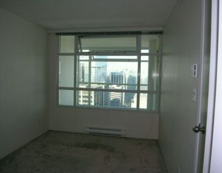 """Photo 5: 2903 438 SEYMOUR Street in Vancouver: Downtown VW Condo for sale in """"CONFERENCE PLAZA"""" (Vancouver West)  : MLS®# V629088"""