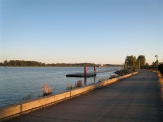 "Photo 8: 102 14100 RIVERPORT Way in Richmond: East Richmond Condo for sale in ""WATERSTONE PIER"" : MLS®# V846294"