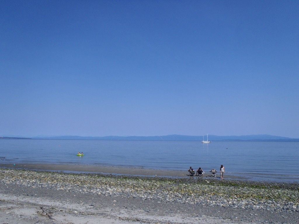 Main Photo: LT 1 W Island Hwy in QUALICUM BEACH: PQ Qualicum North Land for sale (Parksville/Qualicum)  : MLS®# 708171