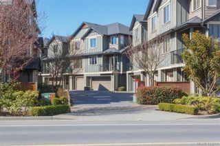 Photo 2: 107 2920 Phipps Rd in VICTORIA: La Langford Proper Row/Townhouse for sale (Langford)  : MLS®# 819568