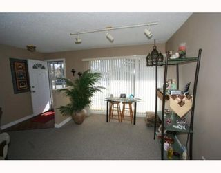 Photo 5: 307 40 Street SW in CALGARY: Wildwood Residential Detached Single Family for sale (Calgary)  : MLS®# C3377030