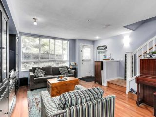 """Photo 5: 2774 ALMA Street in Vancouver: Kitsilano Townhouse for sale in """"Twenty On The Park"""" (Vancouver West)  : MLS®# R2501470"""