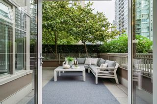 """Photo 6: 606 1055 RICHARDS Street in Vancouver: Downtown VW Condo for sale in """"The Donovan"""" (Vancouver West)  : MLS®# R2617881"""