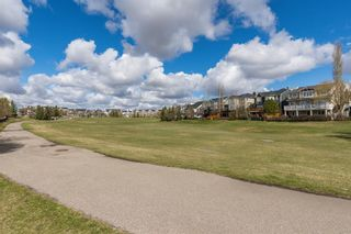 Photo 4: 48 Moreuil Court SW in Calgary: Garrison Woods Detached for sale : MLS®# A1104108
