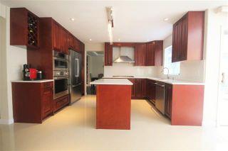 Photo 4: Coquitlam: Condo for sale : MLS®# R2080928