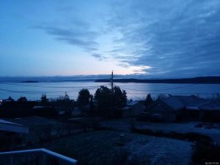 Photo 3: 5629 3rd St in UNION BAY: CV Union Bay/Fanny Bay House for sale (Comox Valley)  : MLS®# 718182