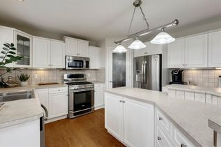 Photo 15: 70 ROYAL CREST Way NW in Calgary: Royal Oak Detached for sale : MLS®# C4237802