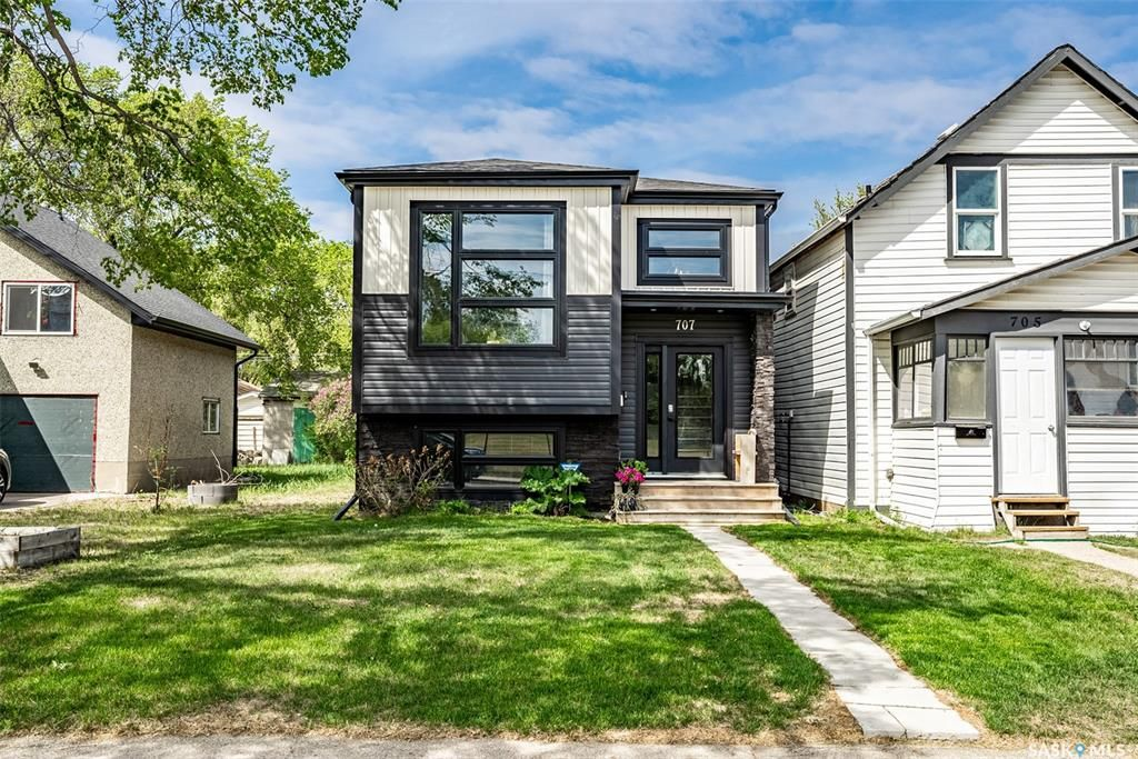 Main Photo: 707 L Avenue South in Saskatoon: King George Residential for sale : MLS®# SK864012