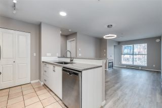 """Photo 8: 310 332 LONSDALE Avenue in North Vancouver: Lower Lonsdale Condo for sale in """"CALYPSO"""" : MLS®# R2559698"""