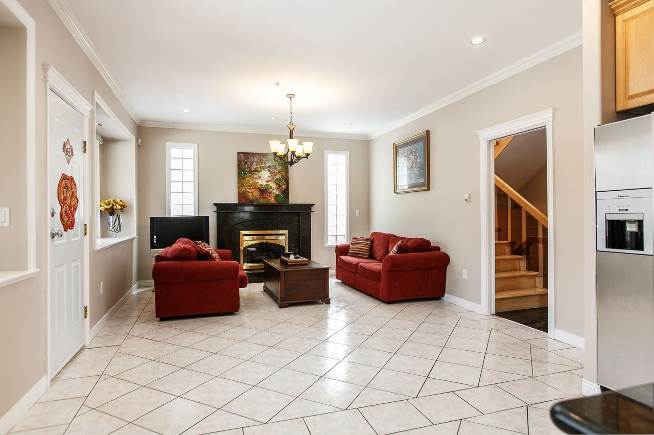 Photo 8: Photos: 6228 DOMAN Street in Vancouver: Killarney VE House for sale (Vancouver East)  : MLS®# R2186652