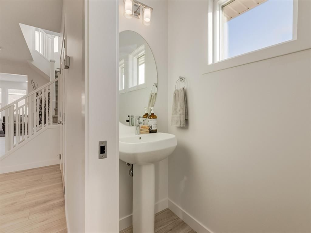 Photo 8: Photos: 36 Mahogany Cape SE in Calgary: Mahogany Detached for sale : MLS®# A1053729