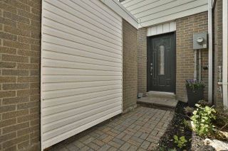 Photo 2: 2 141 Ripley Court in Oakville: College Park House (2-Storey) for sale : MLS®# W4170966