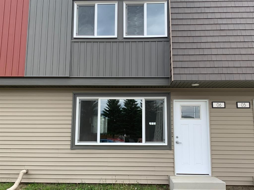 Main Photo: 6 608 Main Street NW: Slave Lake Row/Townhouse for sale : MLS®# A1116192
