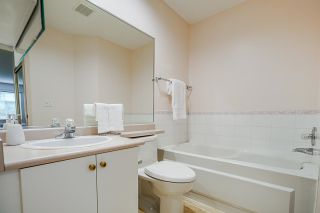 """Photo 14: 171 20391 96 Avenue in Langley: Walnut Grove Townhouse for sale in """"Chelsea Green"""" : MLS®# R2573525"""