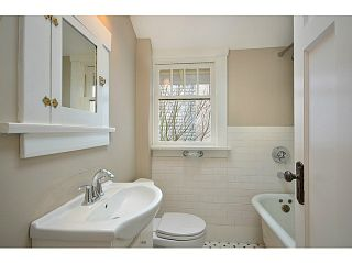 Photo 7: 442 E 15TH Avenue in Vancouver: Mount Pleasant VE House for sale (Vancouver East)  : MLS®# V1075242