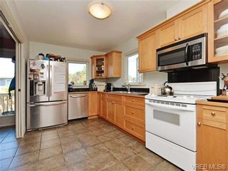 Photo 8: 2194 Bartlett Ave in VICTORIA: OB South Oak Bay House for sale (Oak Bay)  : MLS®# 704186